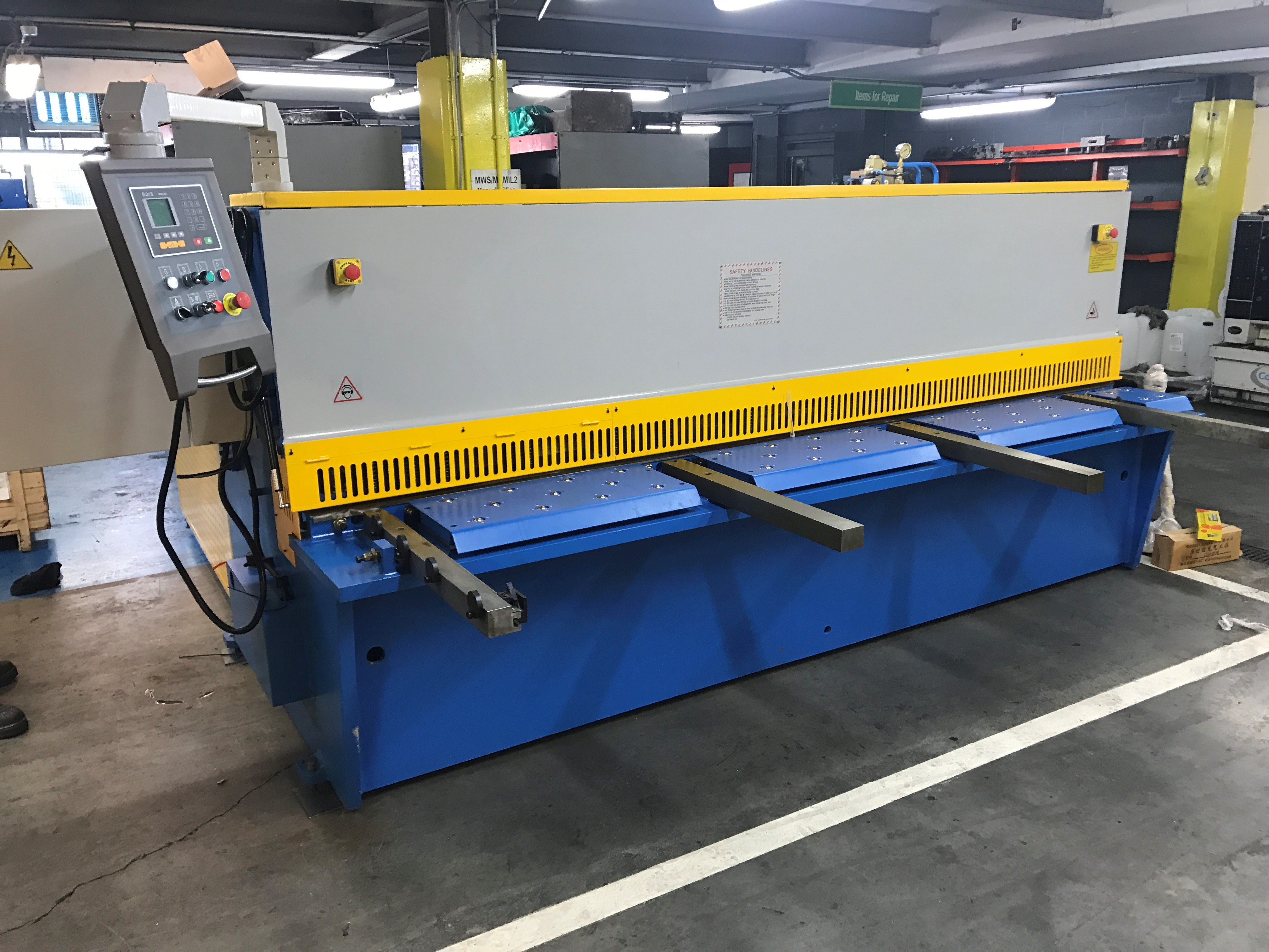 Mach- Cut 3200mm x 6mm hydraulic guillotine